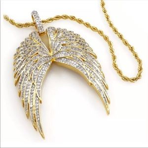 Iced Out 18K Gold Angel Wings Pendant Rope Chain